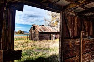 rural-216371_640