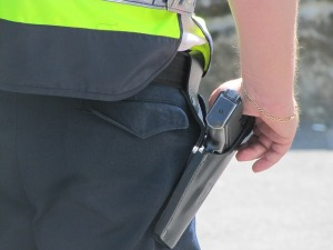 police-officer-111115_640