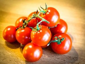 tomatoes-949086_1920
